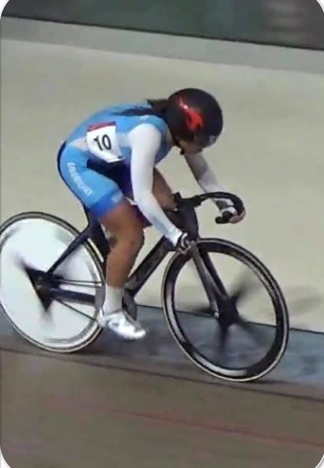 Nuevos récords nacionales y se puso la celeste a rodar en la pista continental. Ahora es tiempo de los dirigentes y darle continuidad al esfuerzo y talento de nuestros ciclistas.